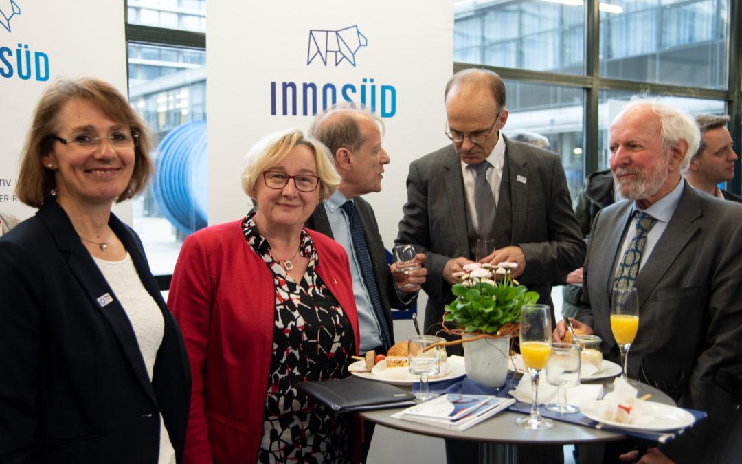 Aus dem Verbund: Wissenschaftsministerin Bauer bei Akademischer Feier zur Umbenennung der Technischen Hochschule Ulm